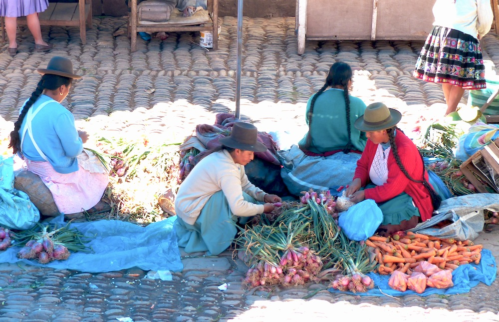 essay on visit to sunday market Short essay on a visit to a market place a market place is the place spread out in  a specific area, where a variety of goods of daily requirements.