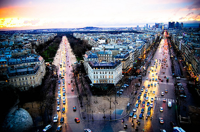Learning from the world, the World is Our Classroom: Lessons from the Arc de Triomphe